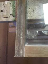 reservdel från en gammal fönsterbåge